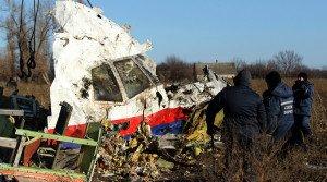 MH17 wreckage (Antonio Bronic, Reuters)