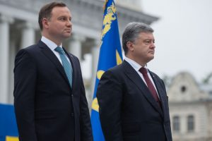 President of Ukraine Petro Poroshenko (R) and President of the Republic of Poland Andrzej Duda