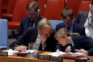 UK ambassador to the UN Matthew Rycroft confers with U.S. Ambassador Samantha Power during meeting on Syria Sept 25, 20916