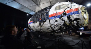 Malaysia's prime minister denounces mainstream narrative on MH17 tragedy