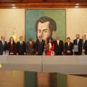 Venezuela urges the world to support peace dialogue