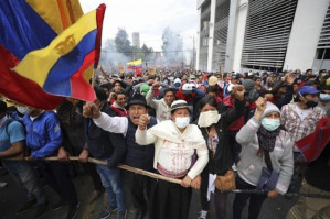 """Ecuadorians mobilize against the """"Big Package"""" of Moreno and the IMF"""