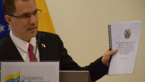 "Arreaza: ""US coercive measures are mass destruction weapons"""